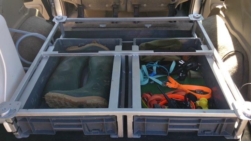amenagement 4x4. Black Bedroom Furniture Sets. Home Design Ideas