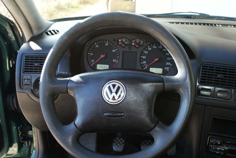 vw golf 4 tdi 110 d montage volant avec airbag. Black Bedroom Furniture Sets. Home Design Ideas