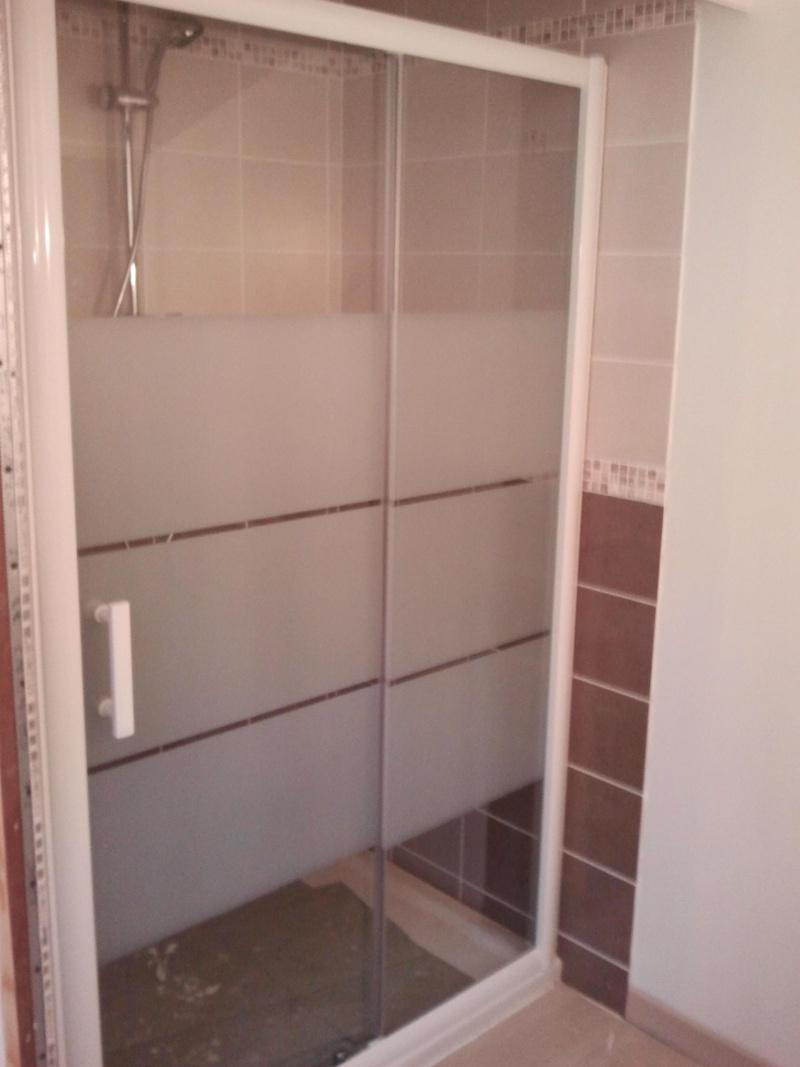 Pose de la porte de douche - Pose porte de douche ...