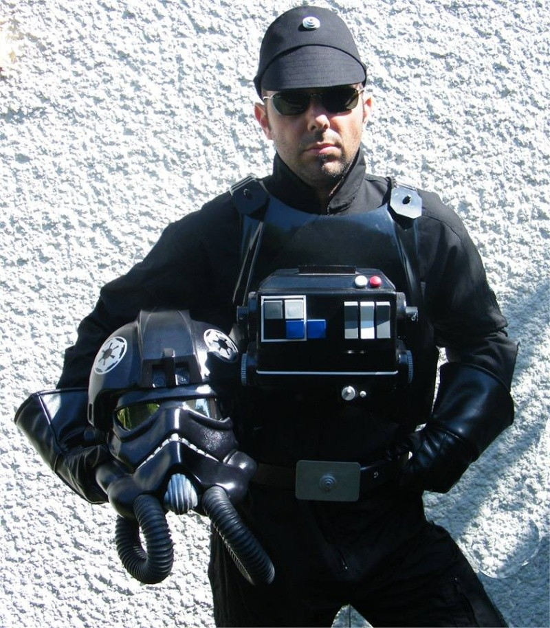 how to make a tie fighter pilot costume