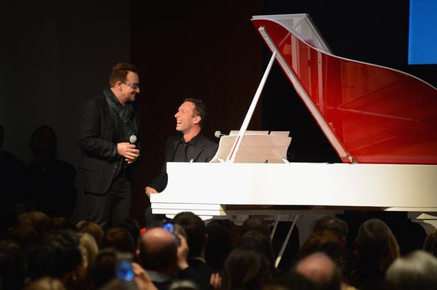 Bono, Chris Martin et une belle brochette de célébrités récoltent 26 millions de dollars pour la lutte contre le sida…