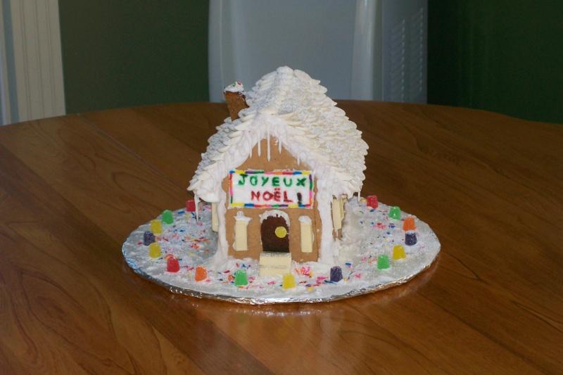Chalets de noel et maisons pain d 39 pices page 2 for Maison en biscuit de noel