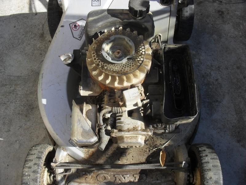 D but de restauration tondeuse honda hr 214 - Nettoyage carburateur tondeuse ...