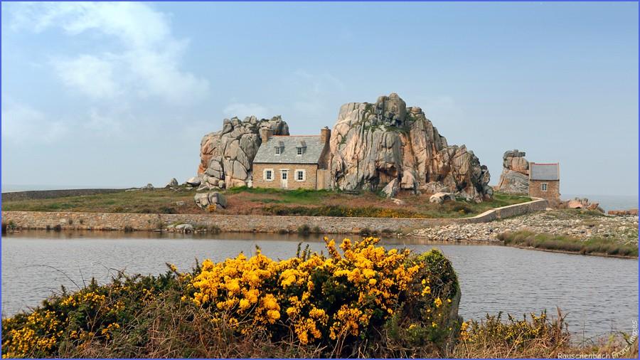 Castel meur la maison entre les rochers - Maison entre les rochers ...