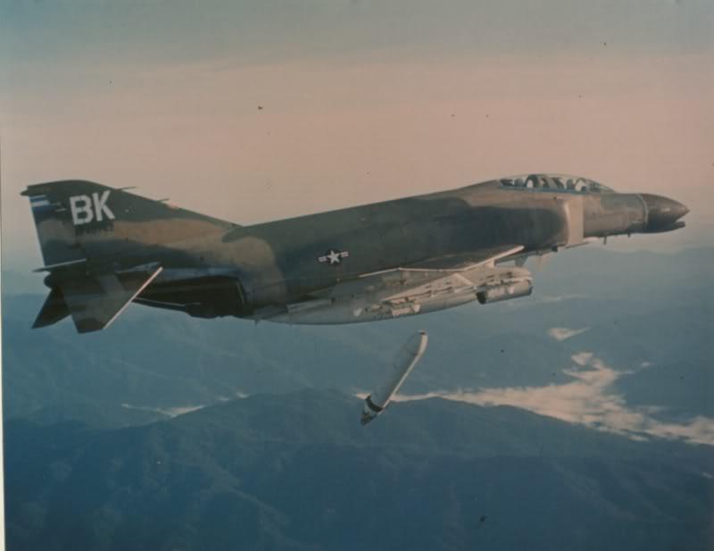 f4bomb10.jpg