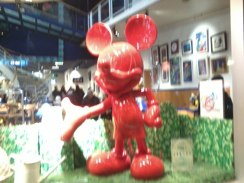 Mickey rouge, FIGURINES Résine Mickey, Rutten I magier