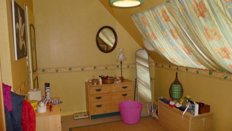 quel couleur pour une chambre adulte avec mur penche avec. Black Bedroom Furniture Sets. Home Design Ideas