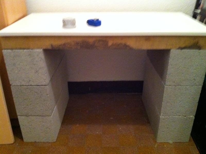 meuble parpaing planche parpaings planches restantes d 39. Black Bedroom Furniture Sets. Home Design Ideas
