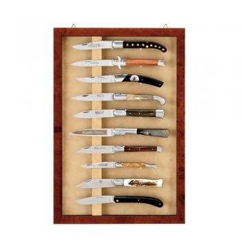 demande d 39 aide pour vitrine couteaux de collection. Black Bedroom Furniture Sets. Home Design Ideas